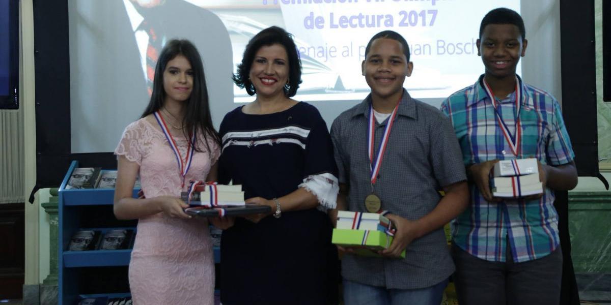 Vicepresidencia premia finalistas Olimpíada de Lectura
