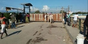 Haitianos impiden el paso de dominicanos