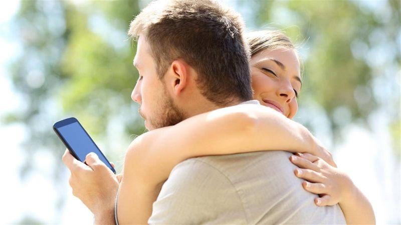 Por qué millennials aún vive con sus padres