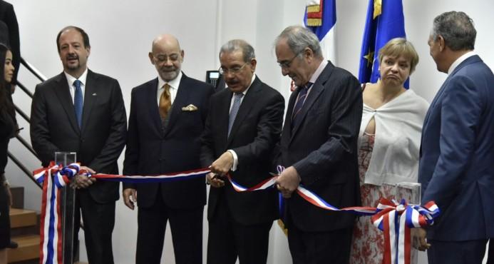 Danilo Medina preside inauguración Delegación de la Unión Europea
