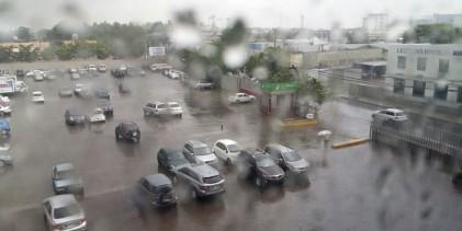 Vaguada y onda tropical provocarán aguaceros este viernes