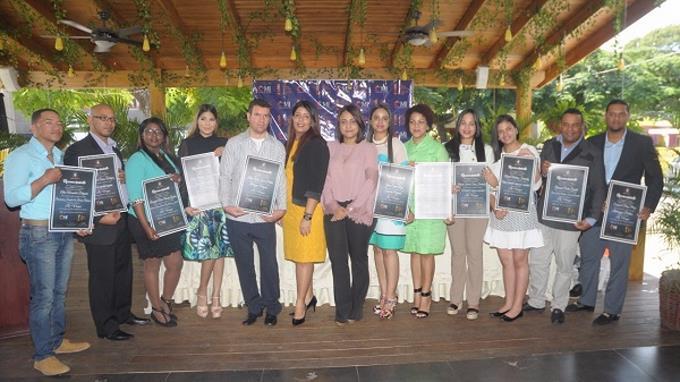 Entregan certificados a finalistas del Premio Nacional de la Juventud 2018 en La Vega
