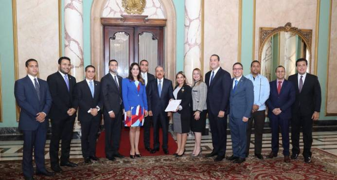 Medina favorece cuota de 25%juventud Ley de Partidos Políticos