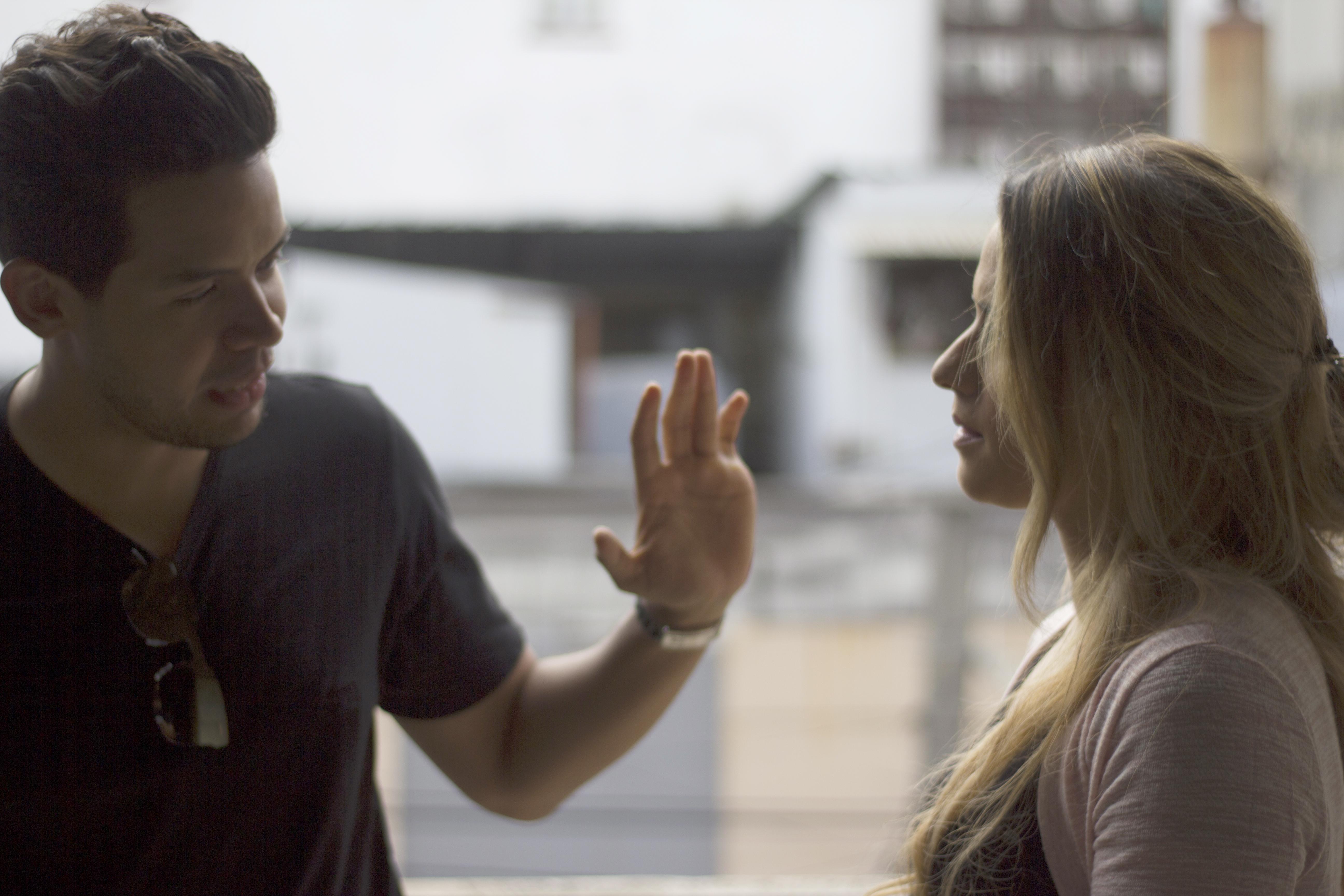 Nathalie Hazim y Pedro Urrutia, con tres nominaciones a los Video Clips Awards