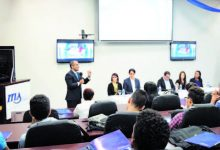 Itla entrega becas a 52 estudiantes meritorios