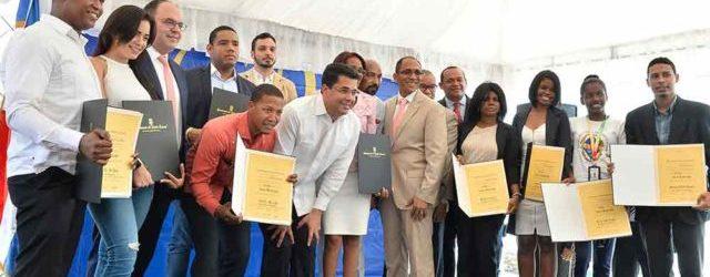 Reconocen y felicitan a los jóvenes Día Nacional de la Juventud