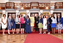 Medina reconoció ayer a 13 mujeres meritorias