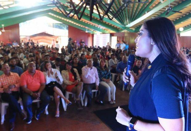 Ministerio de la Juventud orienta a cientos de jóvenes sobre embarazos en adolescentes