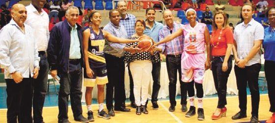 Dan inicio baloncesto femenino