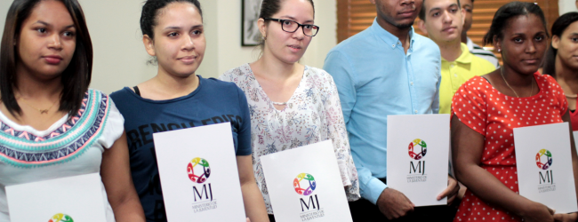 Ministerio de la Juventud abre convocatoria de becas