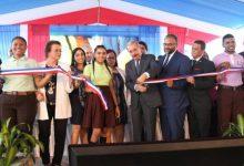 Danilo Medina entrega dos escuelas