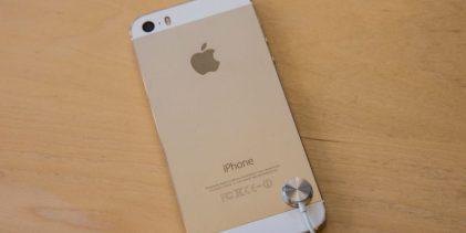 Adolescente aprendió a reparar nuevo iPhone