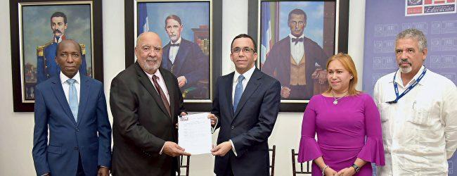 DISPONE MODELO DE EXCELENCIA PARA GESTIÓN DE DIVERSAS ESCUELAS