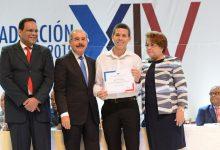 Danilo Medina encabeza XIV graduación Programa Inglés de Inmersión