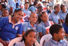 Medina entrega Centro Educativo