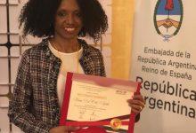 Reconoce a la consultora Kenia Del Orbe