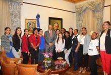 Peralta exhorta emular transparencia Presidente Medina