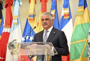 Canciller Miguel Vargas parte a Sudamérica, en visitas oficiales a Perú y Argentina