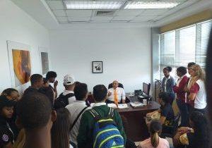 Estudiantes de La Romana visitan instalaciones Ministerio de Medio Ambiente