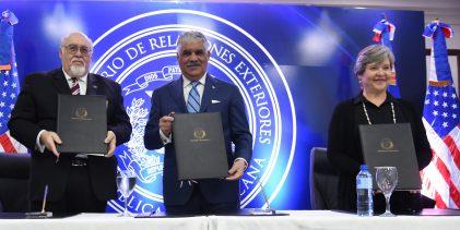 Vargas reafirma interés en cooperar con desarrollo Haití y RD