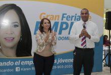 Miles acuden a Gran Feria de Empleos organizada por Karen Ricardo