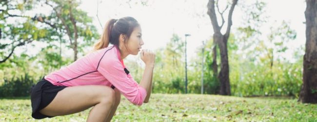 Dos adolescentes a emergencia por sentadillas