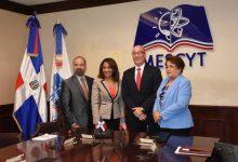 MESCYT, y Oracle Academy firmaron un convenio