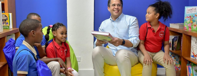 Sector privado entrega biblioteca infantil en Capotillo