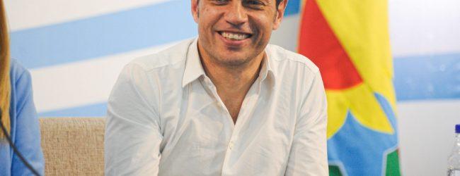 Con 49 años gobernador de «Buenos Aires»
